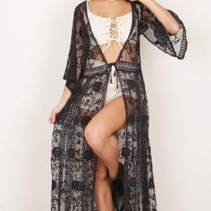 Showpo black kimono one size NWT